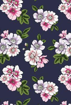 Susanna Nousiainen #patterndesign #printandpattern #printdesign #surfacedesign #surfacedesigner #textiledesign #printdesigner #patterndesign #meetthedesigner #Roses #flowerpattern #Rosepattern #contemporary
