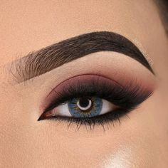 Amazing Eye Makeup Tutorial Step by Step Eye makeup is an area that we strive to emphasize eye beauty, accentuate the eyes an. Makeup Eye Looks, Eye Makeup Steps, Beautiful Eye Makeup, Smokey Eye Makeup, Eyebrow Makeup, Skin Makeup, Makeup Eyeshadow, Smoky Eyeshadow, Orange Eyeshadow