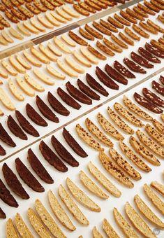 Biscotti Rezept, Biscotti Cookies, Galletas Cookies, Yummy Cookies, Almond Cookies, Chocolate Cookies, Pumpkin Biscotti, Italian Cookie Recipes, Italian Cookies