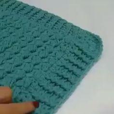 Aprendam como fazer o ponto alto em relevo 😉 #crochet #videoaulas #pontosdecroche By @crochet_flowers