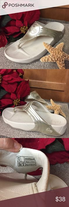 Fitflops EUC fitflops with gold padded band.  These are the most comfortable pair of slippers you'll ever find!  Orthopedically designed to support your tootsies and designed by an orthopedic doctor.  [E.N] ❌Trades. fitflops Shoes Slippers