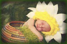newborn-prop-ideas-daisy-blossom-bonnet-ETSY-ImaginationCouture