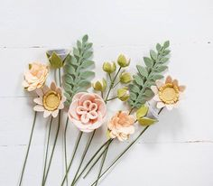 Trendy flowers boquette wedding fabric ideas Best Picture For simple DIY Fabric Flowers For Your Taste You are looking for something, and it is going to tell you exactly what you are looking for, and Felt Flower Bouquet, Fabric Bouquet, Felt Flower Wreaths, Handmade Flowers, Diy Flowers, Fabric Flowers, Paper Flowers, Felt Flowers Patterns, Felt Diy