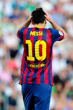 Lionel Messi of FC Barcelona reacts after missing a chance to score uring the La Liga match between Elche FC and FC Barcelona at Estadio Manuel Martinez Valero on May 11, 2014 in Elche, Spain.