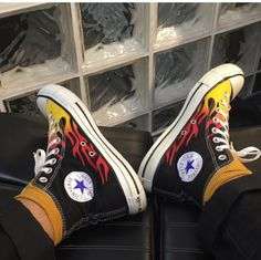 Shoes Footwear Sock shoes Fashion Sneakers Outfits feelingsfeeler on tumb Converse Outfits, Sneaker Outfits, Sneakers Fashion Outfits, Fashion Shoes, Black Converse, Diy Converse, Converse High, Converse Shoes, Custom Converse