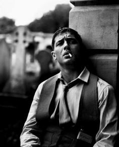 Edward Thomas Hardy or Tom Hardy is a famous actor and producer of Hollywood. After going through a roller coaster of events in life, he was successfully nominated for the … Tom Hardy, Star Wars Outfit, Hot British Men, Beautiful Men, Beautiful People, Pretty People, Photo Portrait, Foto Instagram, Raining Men