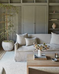Home Living Room, Living Room Decor, Living Spaces, Living Room Inspiration, Interior Inspiration, Cozy House, Decoration, Family Room, House Design