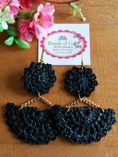 Crochet Earrings Pattern, Crochet Jewelry Patterns, Crochet Bracelet, Crochet Accessories, Love Crochet, Crochet Gifts, Diy Laine, Terracotta Earrings, Crochet Flower Tutorial