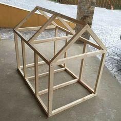 Wood Dog House, Pallet Dog House, Build A Dog House, Large Dog House Plans, Dog Training Methods, Basic Dog Training, Positive Dog Training, Easiest Dogs To Train, Dog Houses