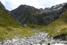 The North Temple day walk near Ohau ends at a spectacular cirque.