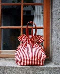 You can find those hanbags on Handbags My Bags, Purses And Bags, Striped Bags, Candy Stripes, Red Stripes, Fabric Bags, Cute Bags, Handmade Bags, Beautiful Bags