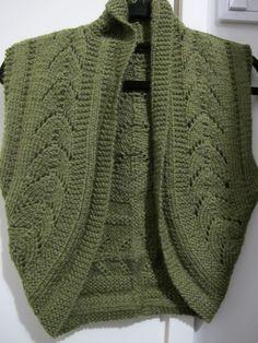 Green bolero front (Drops). Yarn: