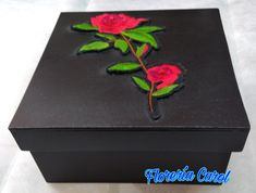 Caja de madera decorada con bordado de rosas rojas. Contáctanos 55 3659 1883 Decoupage, Decorative Boxes, Home Decor, Embroidered Roses, Red Roses, Needlepoint, Decoration Home, Room Decor, Home Interior Design