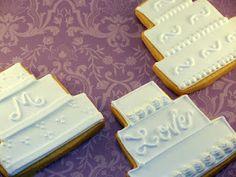 wedding cookies from cupcakedeluxe