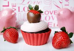Chocolate Cupcakes with Strawberry Cream Cheese Frosting from www.bluecrabmartini.com
