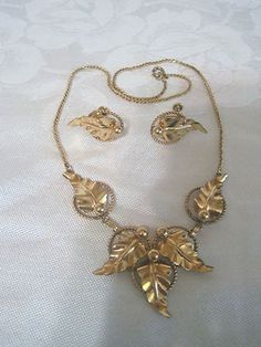 Van Dell Jewelry Set.  What a RARE find! Only $55 or your best offer.