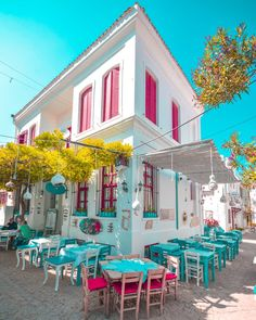 Tenedos, or Bozcaada in Turkish, is an island of Turkey in the northeastern part of the Aegean Sea. Beautiful Buildings, Beautiful Places, Colorful Cafe, Turkey Destinations, Beach Bars, Al Fresco Dining, Cafe Interior, Antalya, Coffee Shop