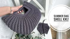 Bag Crochet, Crochet Clutch, Crochet Girls, Crochet Purses, Crochet Crafts, Crochet Stitches, Knitting Yarn, Knitting Patterns, Creative Bag