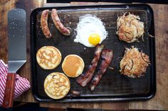 We have 5 classic, homemade breakfast dishes to choose from.All you need,  are a few ingredients and your Baking Steel Griddle. Think of your favorite  diner and your favorite breakfast dish,now let us help you recreate that  in your home kitchen.