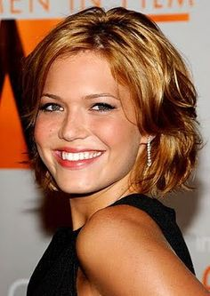 celebrity short layered hair styles short layered hair styles for womens short layered bob haircuts styles Mandy Moore short layered . Layered Haircuts For Women, Cute Short Haircuts, Short Hair Cuts For Women, Short Hairstyles For Women, Layered Hairstyles, Trendy Hairstyles, Bob Haircuts, Hairstyles Pictures, Shaggy Hairstyles