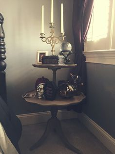 Beauchamp Family Home Haunted Mansion bedroom Goth Bedroom, Mansion Bedroom, Bedroom Decor, Decor Room, Design Bedroom, Gothic Interior, Home Interior, Interior Design, Interior Office