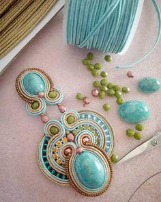 407 отметок «Нравится», 3 комментариев — A.del® by Alessandra Del Vitto (@adelslaboratory) в Instagram: «olivine & turquoise #adelslaboratory #alessandradelvitto #soutache #earrings #soutacheearrings…»