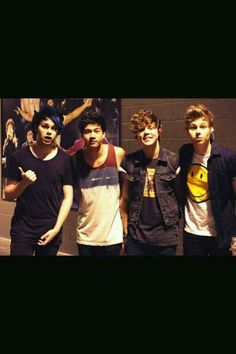 5 seconds of summer. calum hood. michael clifford. ashton irwin. luke hemmings