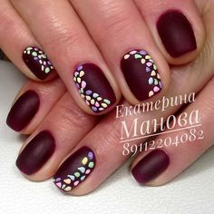 This gorgeous burgundy mani is too cute. And the good thing about this? I can easily recreate this with my non-dominant hand :)