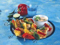 Geflügelspieße mit Papaya-Chili-Dip ist ein Rezept mit frischen Zutaten aus der Kategorie Hähnchen. Probieren Sie dieses und weitere Rezepte von EAT SMARTER!