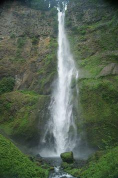 Lower falls of Multnomah