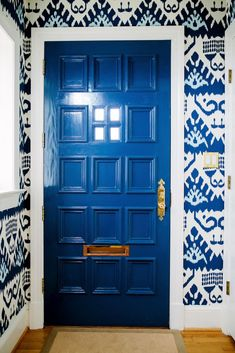Before & After: Cool, Classic, & Covered In Color #SOdomino #room #interiordesign #wall #door #blue #cobaltblue #majorelleblue