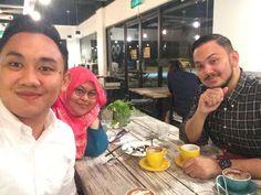 Last night; @amir_gani @imeldaharris me and my matcha  at @podgyandthebankercafe