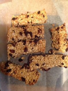 Great flapjack recipe from my slimming pal Tracy SLIMMING WORLD FLAPJACK ************************************** 6 syns a slice porridge oats syns) sultanas syns) 2 tbsp of honey … Slimming World Biscuits, Slimming World Cookies, Slimming World Taster Ideas, Slimming World Deserts, Slimming World Puddings, Slimming World Breakfast, Slimming World Recipes Syn Free, Slimming World Diet, Slimming Eats