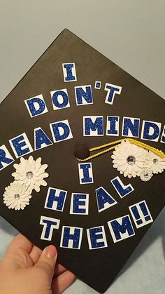 """""""I don't read minds, i heal them"""" Graduation cap for psychology major and future counseling major #psychology #counseling #graduation cap"""