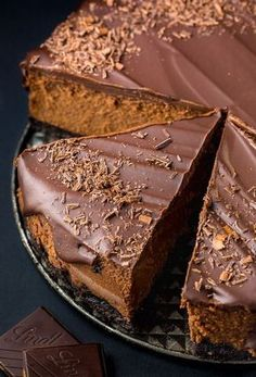 Rich and creamy Chocolate Mascarpone Cheesecake! This decadent chocolate cheesecake features a chocolate cookie crust, a creamy chocolate mascarpone filling, and a chocolate ganache topping! Chocolate Cheesecake, Chocolate Desserts, Chocolate Pasta, Mascarpone Cake, Chocolate Cream, Chocolate Cake, Food Cakes, Cupcake Cakes, Cheesecake Recipes