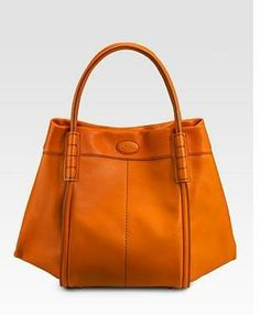i need a new bag! Tote Handbags, Leather Handbags, Leather Bag, Tods Bag, You Look Fab, Fab Bag, Shoe Boots, Shoe Bag, Your Shoes
