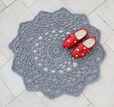 Two more things to cross off my crafty to-do list: make a giant rug sized crochet doily try crocheting with zpagetti, the recycled fabric remnant yarn made in, you guessed, it The Netherlands! You can crochet a giant. Carpet Crochet, Diy Crochet Rug, Crochet Rug Patterns, Crochet Home, Crochet Crafts, Crochet Doilies, Yarn Crafts, Crochet Projects, Free Crochet