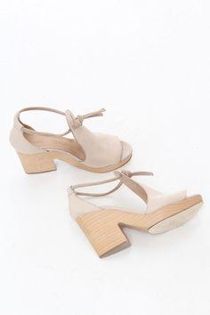 Gorgeous Italian clog sandal platforms - I imagine they're handmade... from @Beklina