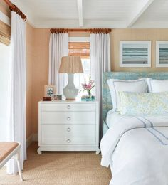 5 Tips for Making the Most Out of a Small Bedroom Space - Decorology
