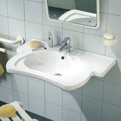 Ponte Giulio USA Sanitary Wares and Ancillaries Enamel White Wall-Mount Oval Bathroom Sink with Overflow
