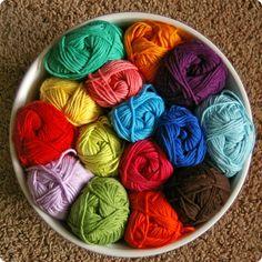 mmmm... bowl full of yarn!