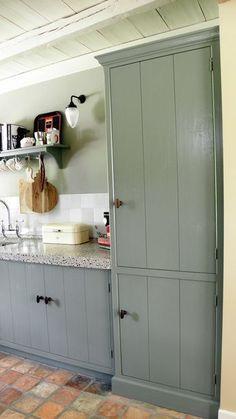 Blue Kitchen Tiles, Modern Kitchen Tiles, Dark Grey Kitchen Cabinets, Building Kitchen Cabinets, Refacing Kitchen Cabinets, Kitchen Cabinet Doors, Painting Kitchen Cabinets, Kitchen Cabinet Design, Kitchen Layout