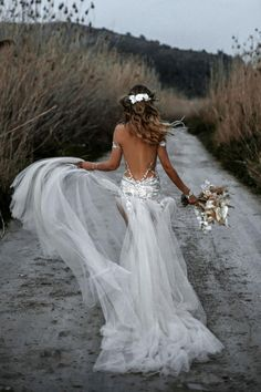 These new wedding dress trends for 2020 are something every future bride should consider for her bridal look! Wedding Dress Trends, New Wedding Dresses, Perfect Wedding Dress, Bridal Dresses, Wedding Ideas, Boho Wedding Dress Bohemian, Galia Lahav, Party Looks, Bridal Looks