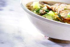 Soupe-repas asiatique au poulet - Cuisinez! - Télé-Québec Quebec, Asian Recipes, Ethnic Recipes, Asian Chicken, Potato Salad, Gluten, Potatoes, Chinese