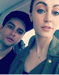 Sarah is so pretty and Brendon is hot so they are like the best couple EVER! Emo Bands, Music Bands, Sarah Smiles, Dallon Weekes, Panic! At The Disco, Paramore, Fall Out Boy, Best Couple, My Chemical Romance