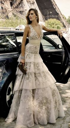 I would love a chance to wear something like this (with a slightly different neckline.)