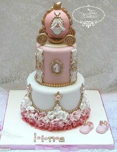 Princess Carriage Cake by Fées Maison (AHMADI)