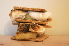 Grilled Pineapple S'mores | 35 Insanely Easy Desserts Made With 5 Ingredients Or Less
