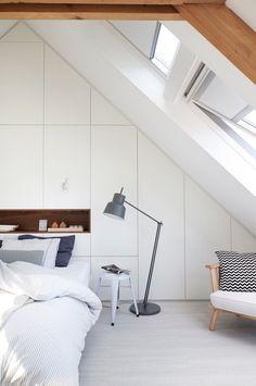 AuBergewohnlich Einbauschrank Kleiderschrank, Bett, Einbauschrank Schlafzimmer, Dachgeschoss  Schlafzimmer, Schlafzimmer Inspiration, Schrank Dachschräge