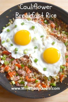 Cauliflower Breakfast Rice with Eggs, Ham, Pepper and Green Onion - This cauliflower rice makes a really nice breakfast to have on the weekends. #food #paleo #glutenfree #grainfree #breakfast #brunch #cauliflower